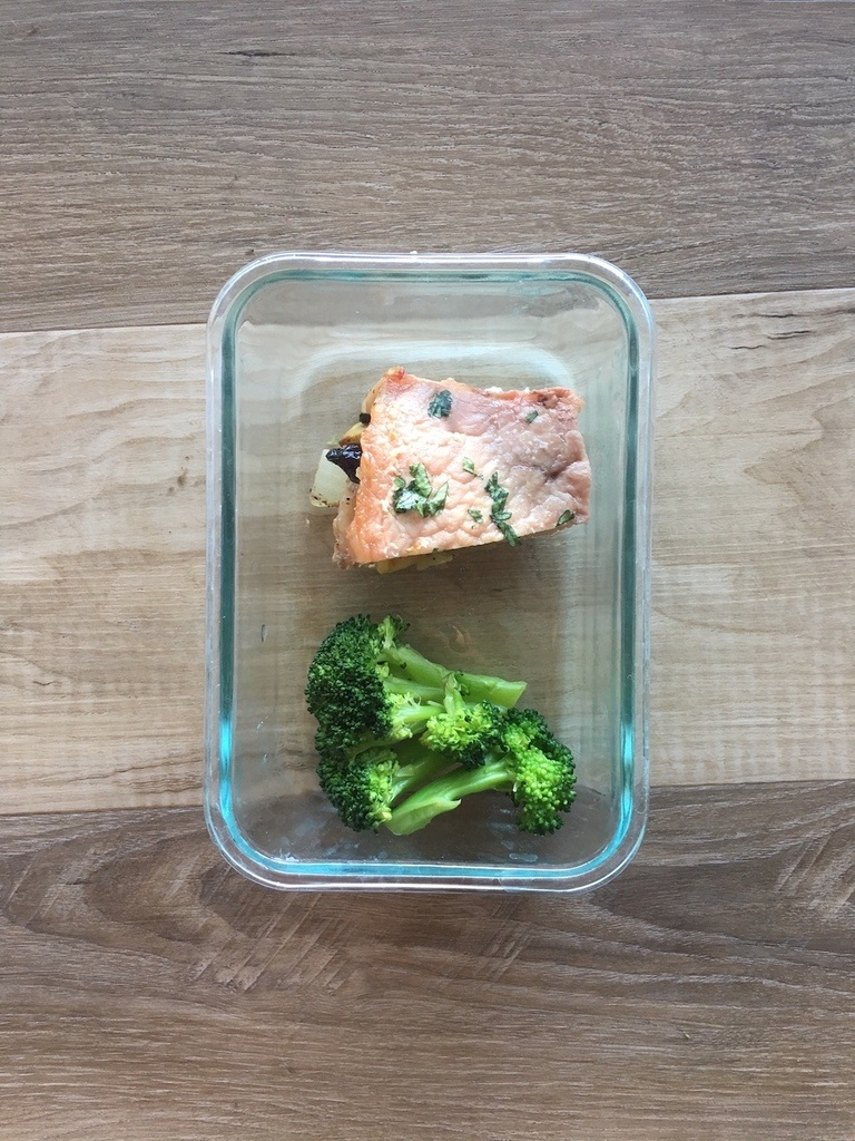 Apple stuffed pork chop in meal container